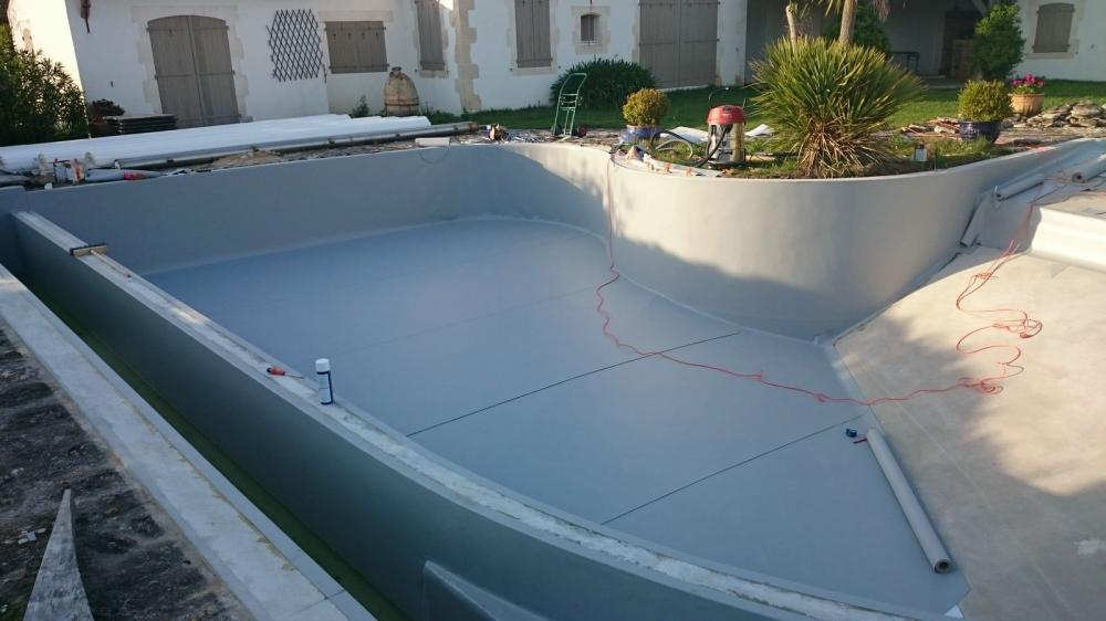 souvent → Pose de liner armé, piscine en rénovation, les Portes en Ré  HT95